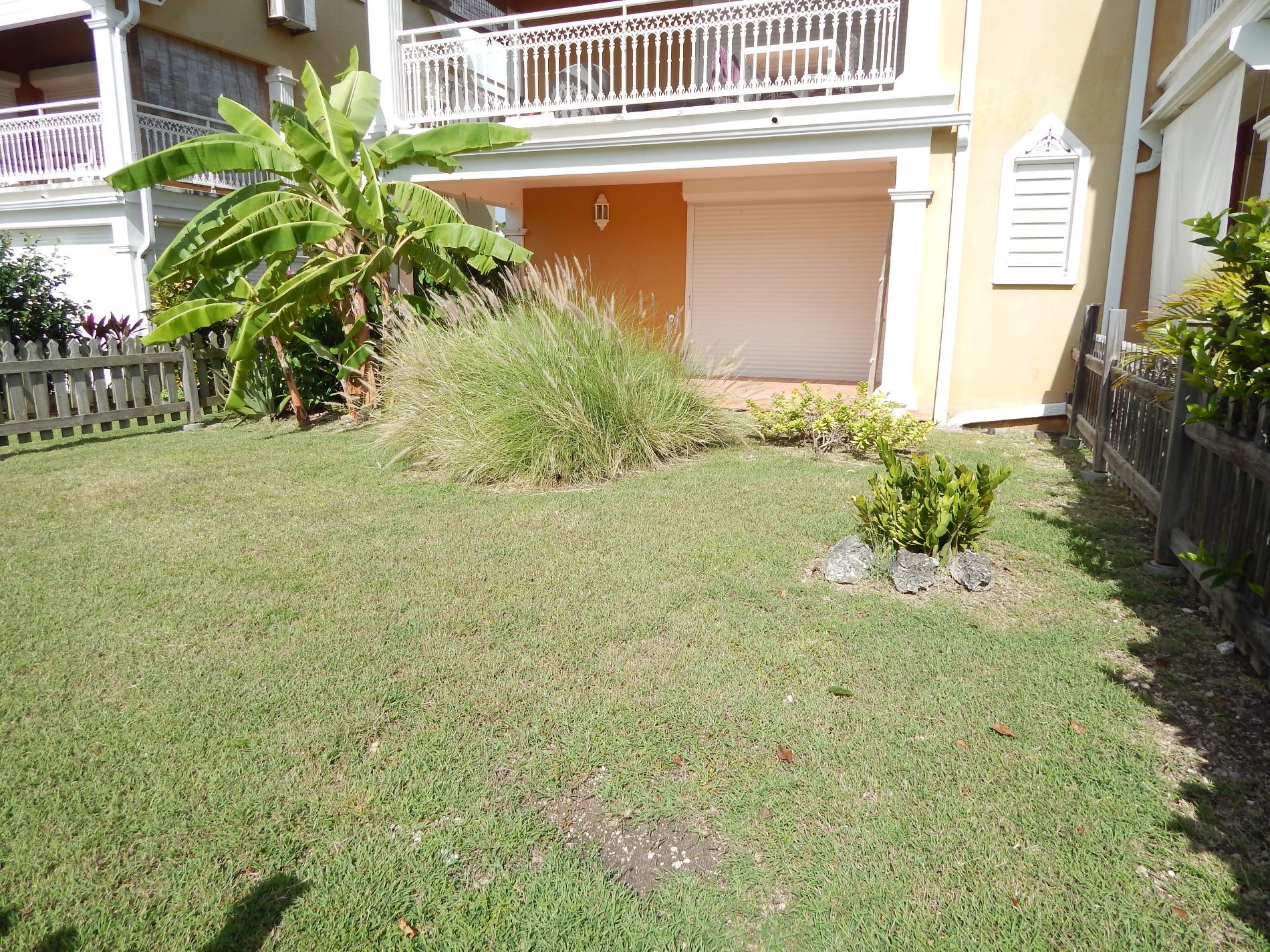 Vente appartement t2 en rez de jardin r sidence s curis e for Amenagement petit jardin 80m2