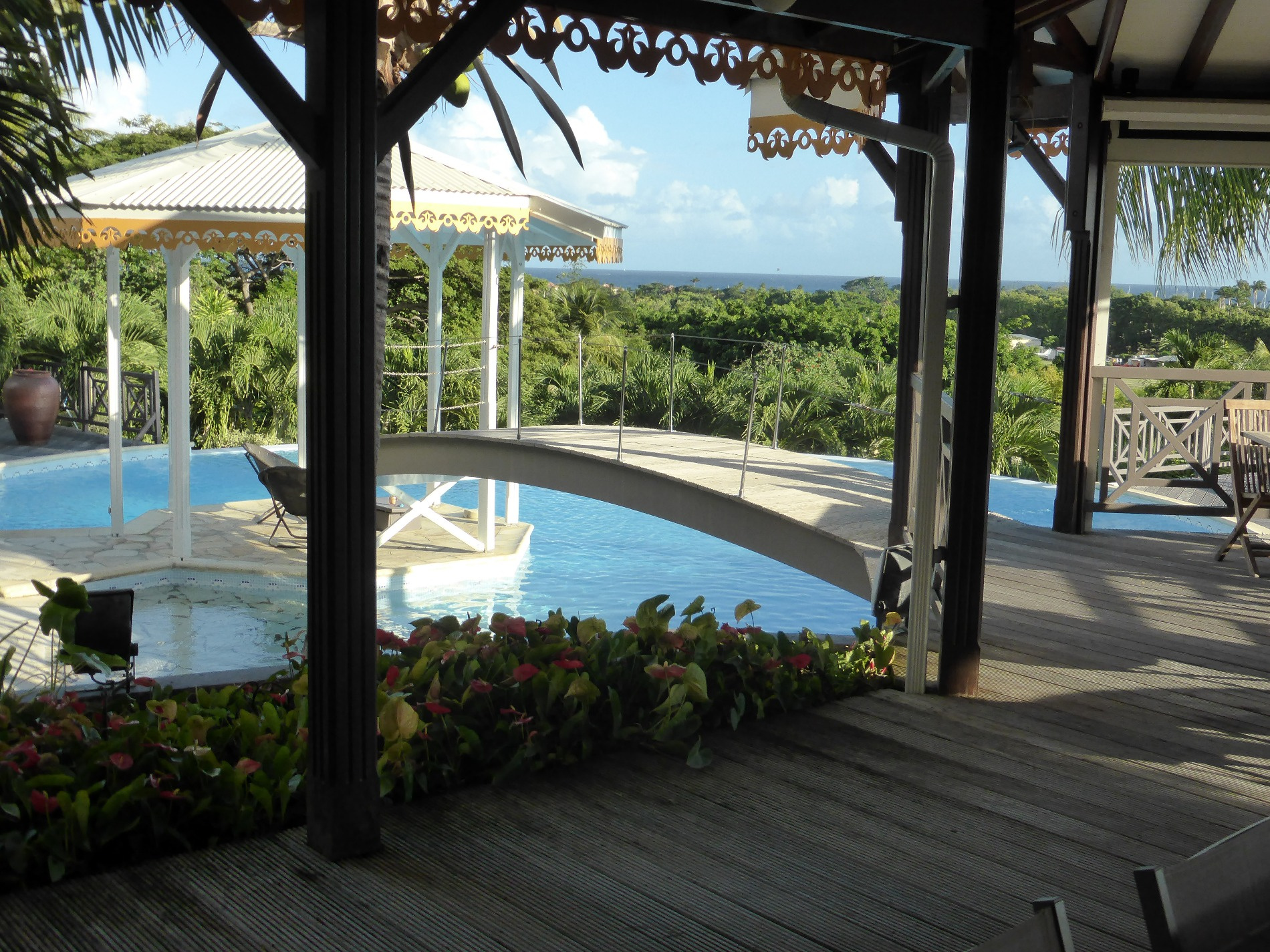 Vente appartements maisons terrains en guadeloupe baie for Maison moderne guadeloupe